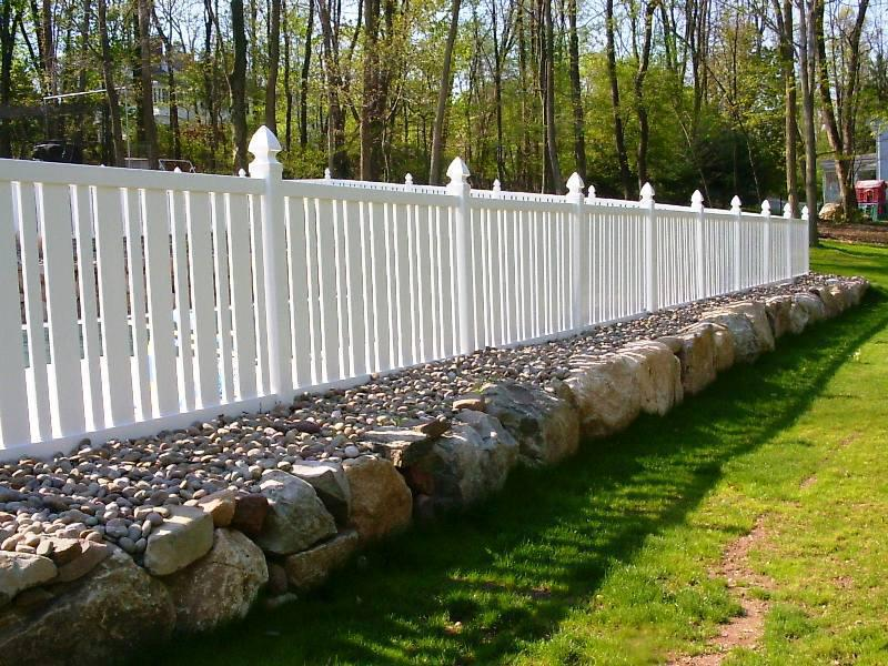 Choosing your garden fencing